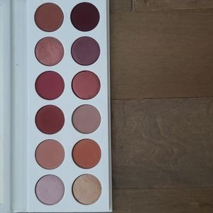 Kylie limited edition burgundy extended eyeshadow palette